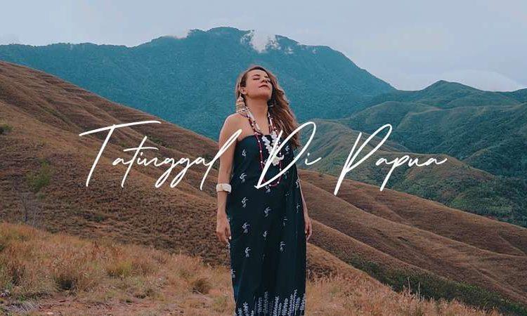 Nowela Mikhelia - Tatinggal Di Papua
